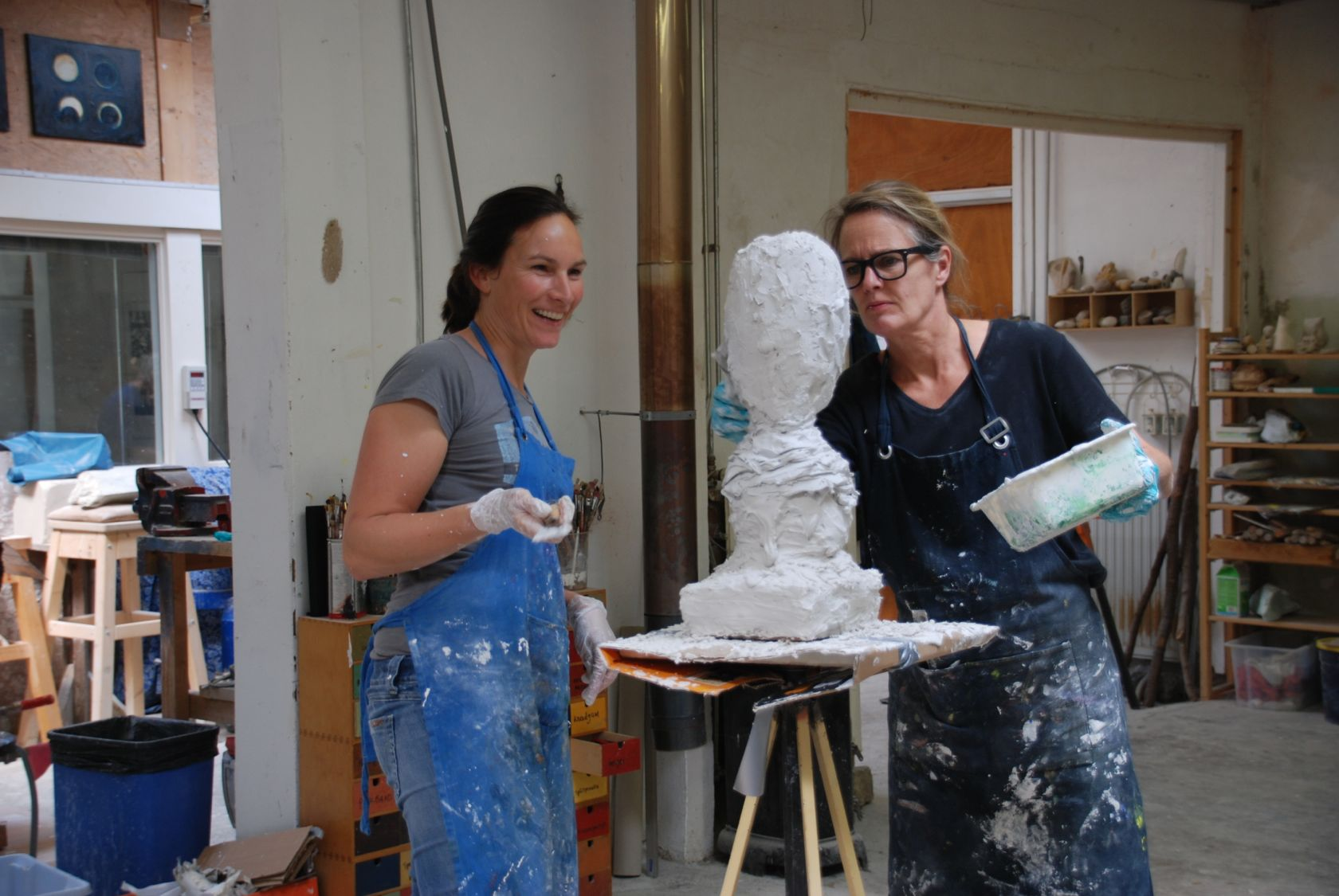 Workshops beeldhouwen in gips en klei